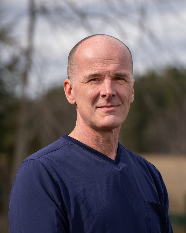 Eläinlääkäri Mikael Morelius