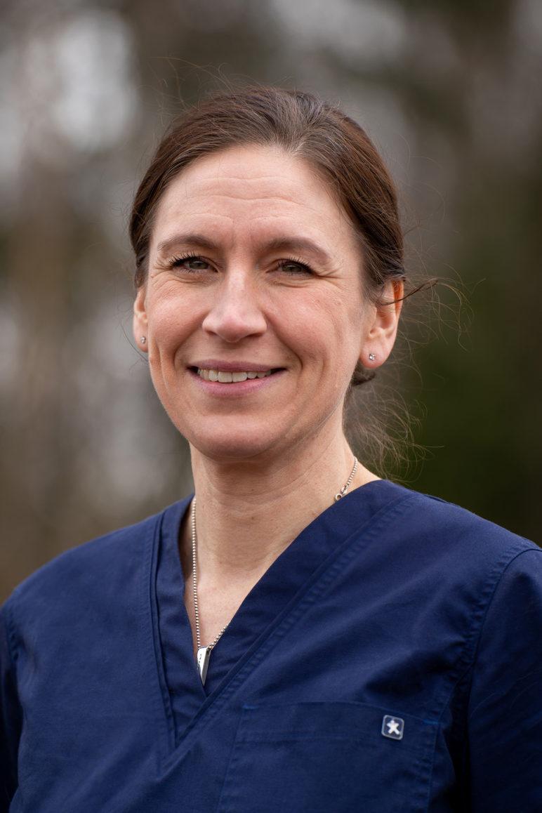 Eläinlääkäri Pia Björkenheim